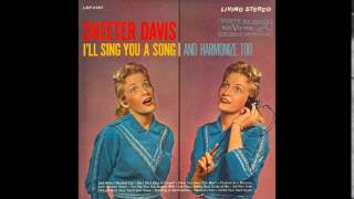 Watch Skeeter Davis The One You Slip Around With video