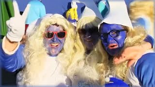 Thousands Dress as Smurfs to Break World Record