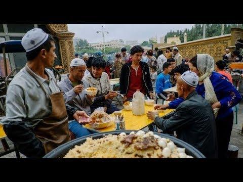 الصين تجبر مسلمي الإيغور على تناول لحم الخنزير في رمضان  - نشر قبل 42 دقيقة