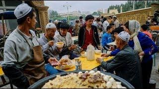 الصين تجبر مسلمي الإيغور على تناول لحم الخنزير في رمضان
