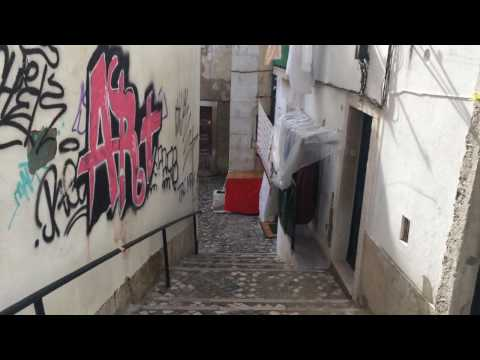 Lisbon, Alfama | Life of locals, restaurants and street art