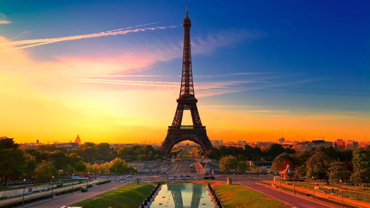 Resultado de imagem para Torre Eiffel