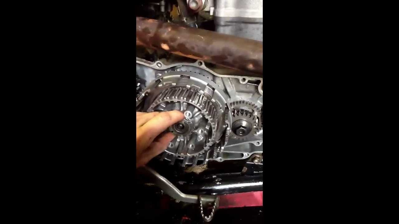 quick view of a 2004 trx450r clutch clutch removal and placement ltr 450 wiring diagram quick view of a 2004 trx450r clutch clutch removal and placement youtube