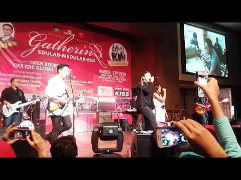 Hivi ft Ify Alyssa - Heartbeat [Medan, 27 Maret 2016]