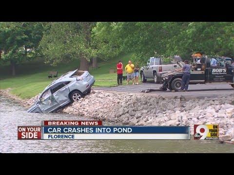 Man drives car into Florence, Ky. pond