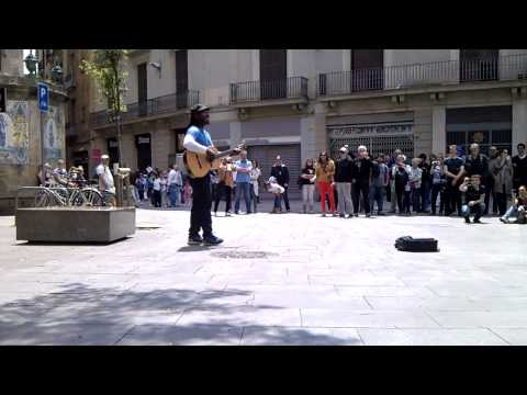 Clarence Milton Bekker aka CB Milton playing 'What's Up' by 4 Non Blondes in Barcelona