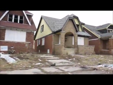 DETROIT'S ABANDONED HOUSES INSIDE AND OUT.
