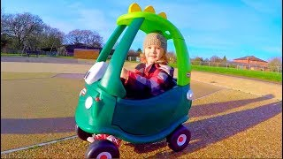 Playground Fun with Cozy Coupe*Playground Kids Playing*Jugando en el Parque con el Cochecito