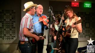 Foghorn Stringband - Outshine The Sun [Live at WAMU