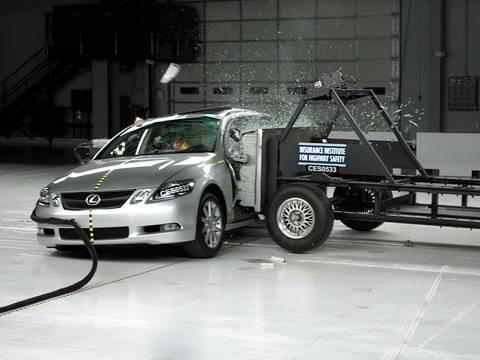 2006 Lexus GS side test