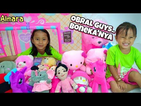 Almara Jadi Penjual Boneka 😺 Ara Dapat Hadiah Boneka Beruang Besar 🐻🐻