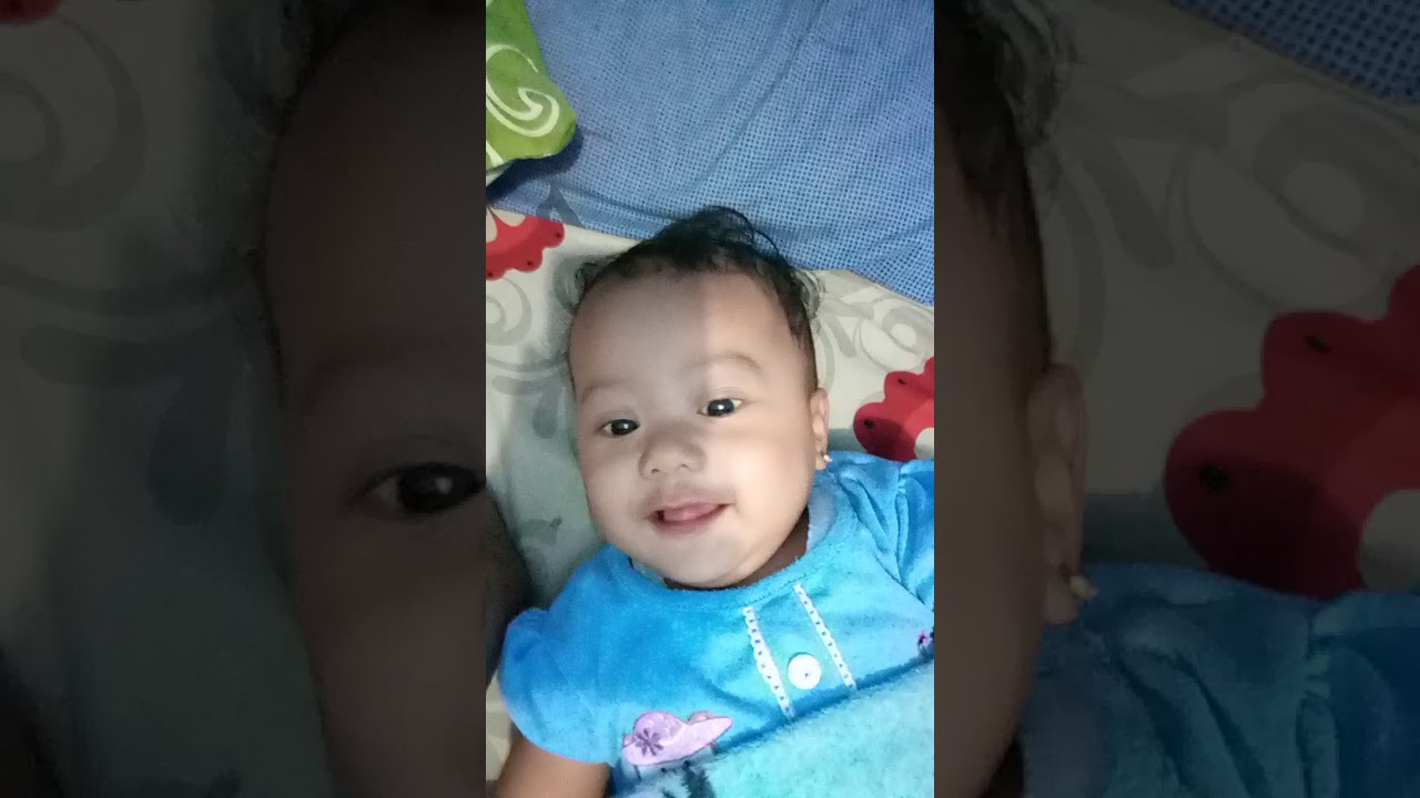 Saat bayi kecil sedang lucu - YouTube
