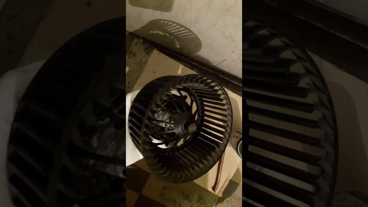 Ремонт моторчика отопителя на Форд Фокус 2