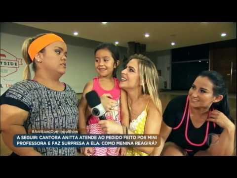 Professorinha dá aula de dança para Fabíola Gadelha e Ju, mulher do anão Marquinhos