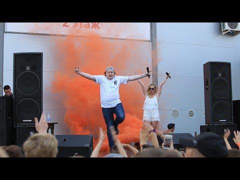 Колян научил молодёжь Гусь-Хрустального танцу имени Ольги Рапунцель. 21 июня 2019 г.