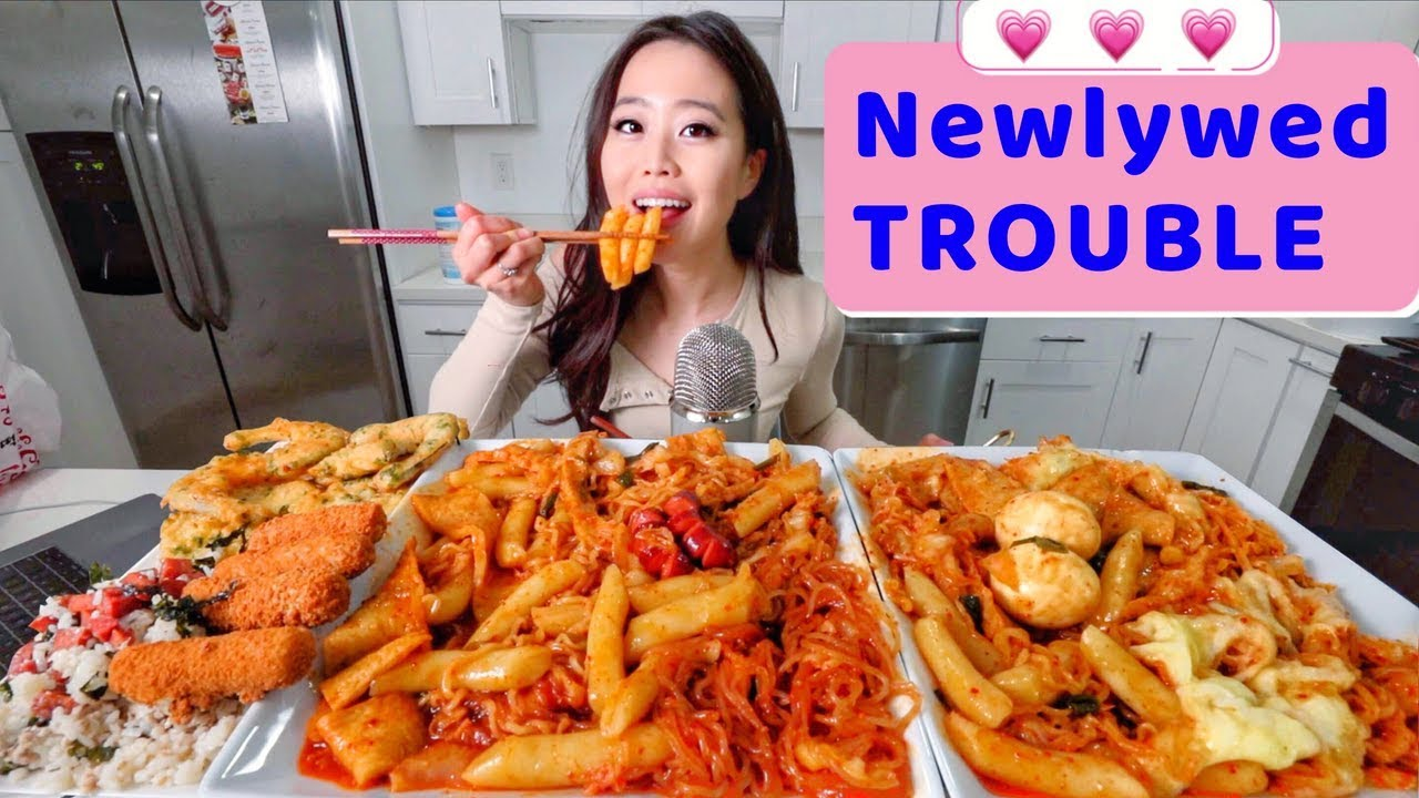 Best SPICY RICE CAKES in LA MUKBANG | Eating Show