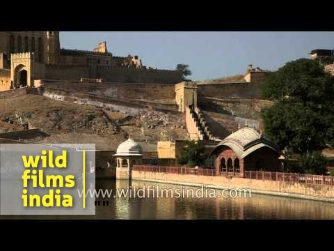 Amber fort : fascinating blend of Hindu and Mughal architecture