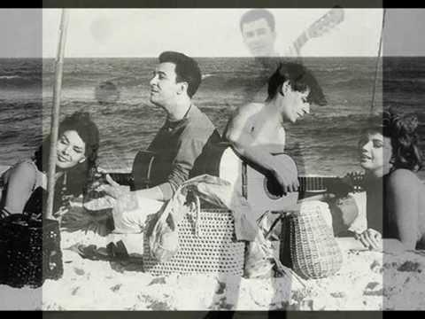 ♪ Eu sambo mesmo (with Helô Pinheiro) / João Gilberto