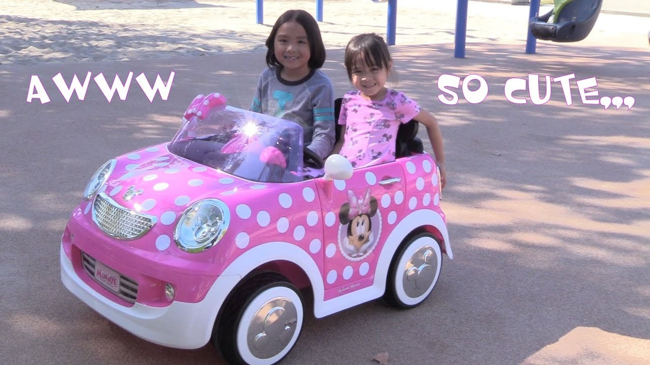 pink disney minnie mouse 12 volts ride on car driving playtime at the park youtube. Black Bedroom Furniture Sets. Home Design Ideas
