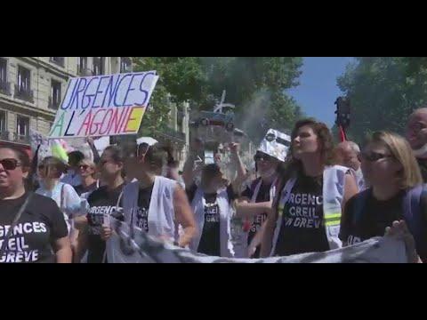 فرنسا: العاملون بالقطاع الصحي العمومي يتظاهرون للتنديد بظروف عملهم  - نشر قبل 3 ساعة