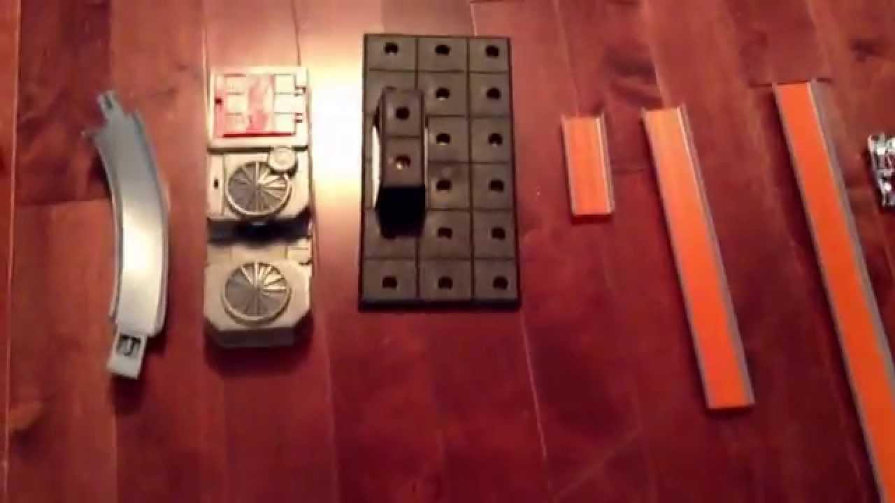 36929a30a3a98 Hotwheels super 6 in 1 track set - YouTube