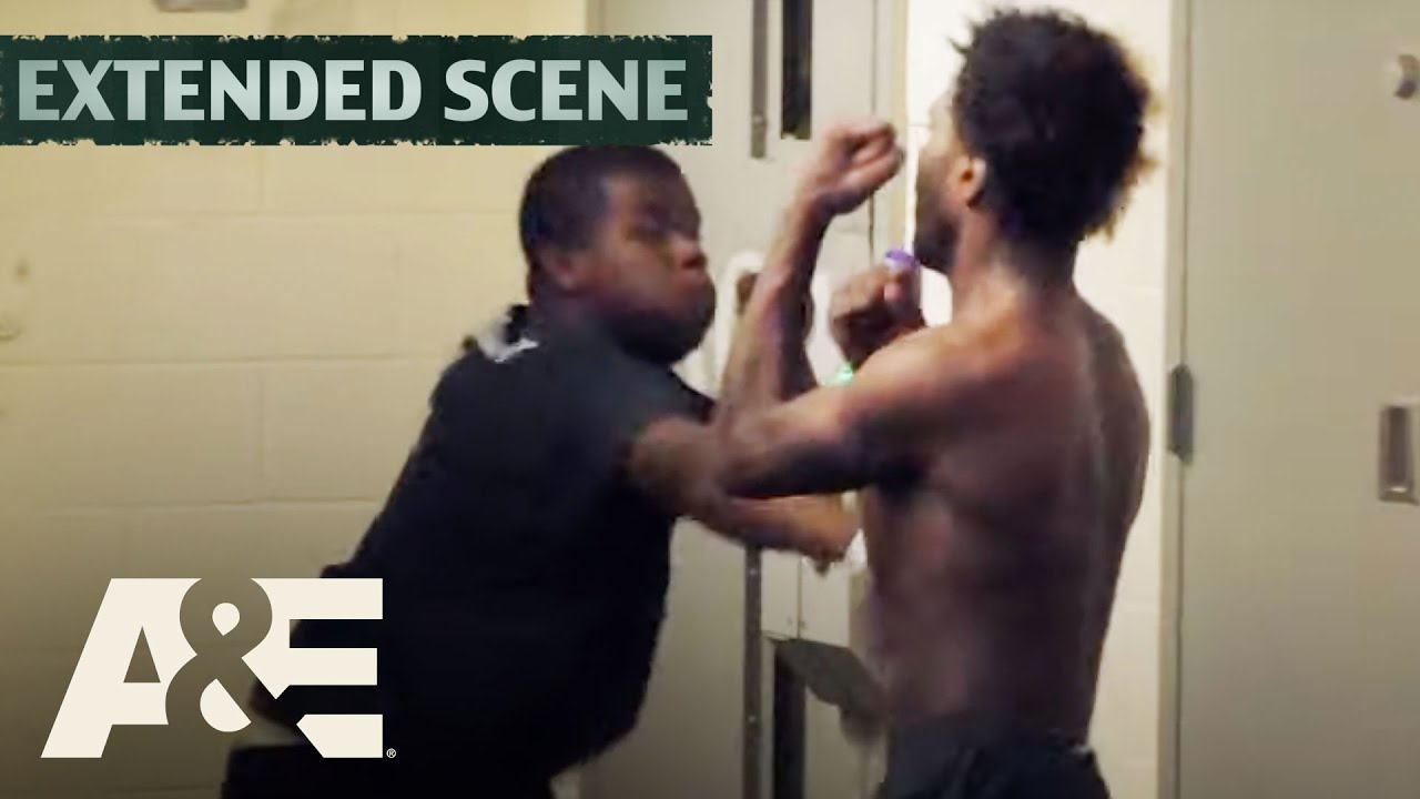 Download 60 Days In: 1-on-1 FIGHT Arranged by Pod Boss for Inmate's Birthday (S3) | A&E