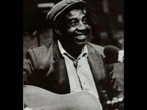 Bear Cat Blues ........John Jackson