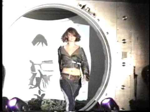 Columbus Ohio fashion show 2006 Street fashion carbon fiber corset