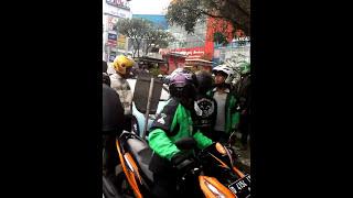 gojek bandung serang ojek pangkalan yang slalu intimidasi gojek online
