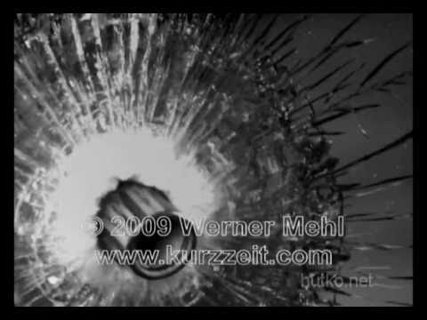 Попадание пули в мишень миллион кадров в секунду