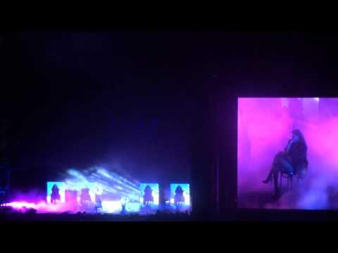 Beyonce & Jay-Z Drunk in Love . Gillette Stadium