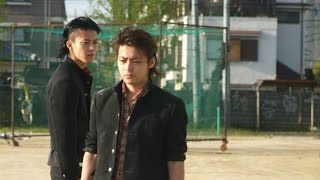video resubido de CROWS ZERO, cancion: One Ok Rock - Karasu (cuervo...