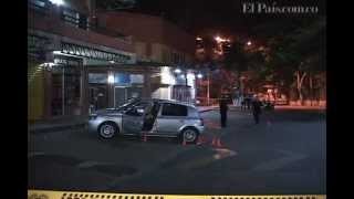 Repeat youtube video Asesinan a un hombre en centro comercial de Cali