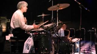 森寿男&ブルーコーツ。2011年12月文京シビックにて。 ドラムは阿...