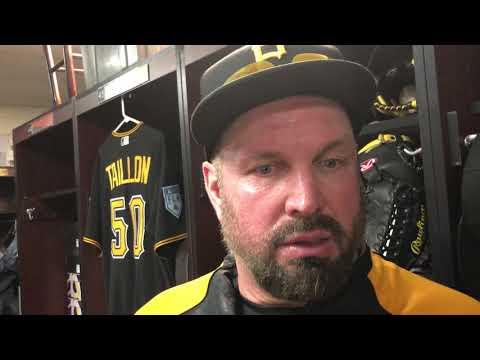 Garth Brooks explains promise to Roberto Clemente at Pittsburgh Pirates Spring Training