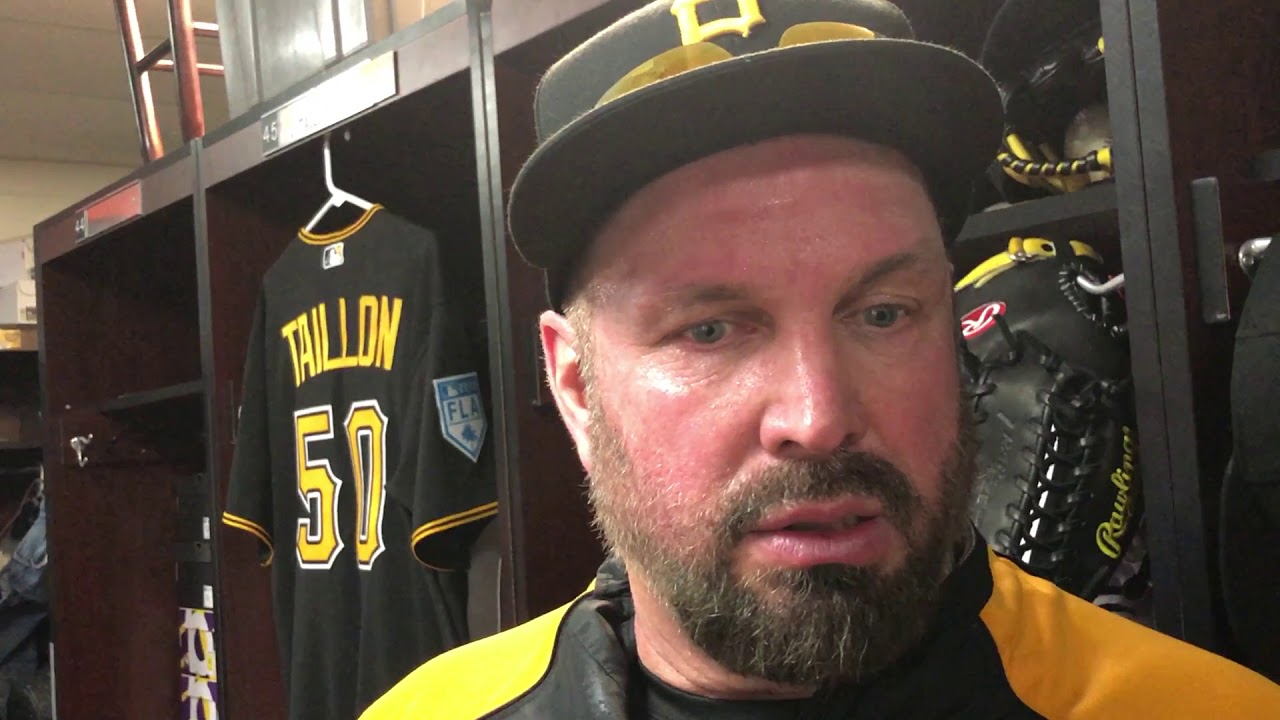 6cb937ee4e2fa0 Garth Brooks Joins Pittsburgh Pirates for Spring Training | 101.5 HANK-FM