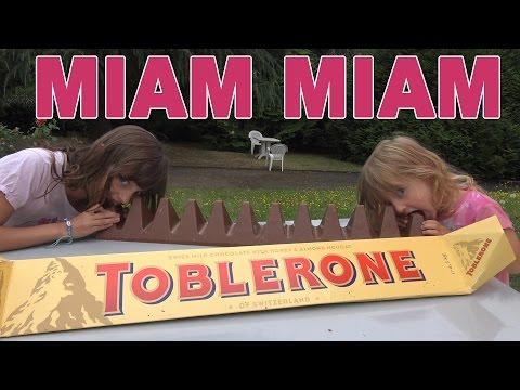 LE PLUS GROS PAIN AU CHOCOLAT TOBLERONE DU MONDE • Studio Bubble Tea Toblerone Jumbo XXL