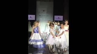 Детский показ детские платья на свадьбу