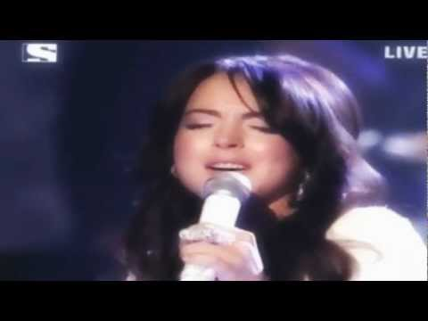 Lindsay Lohan-Edge Of Seventeen (Live at Ama 2005) HQ/HD