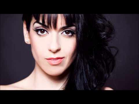 Eurovision 2014 (Spain) : Ruth Lorenzo - Dancing In The Rain (Old Studio Version)
