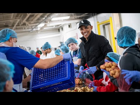 President Obama Volunteers in Chicago