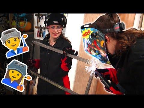 Katelyn Wrecks Evan At Welding (an Outdoor Grill Cart!)