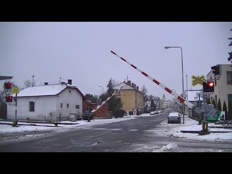 Spoorwegovergang Mnichovo Hradiště (CZ) // Railroad crossing // Železniční přejezd