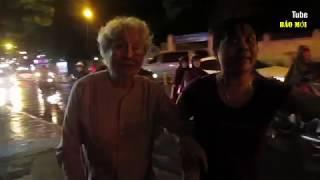 Người phụ nữ dắt bà cụ 83 tuổi ra xin ông Đoàn Ngọc Hải để được thôi phạt và cái kết