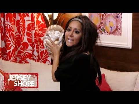 'Snooki vs. Angelina' Official Throwback Clip | Jersey Shore | MTV