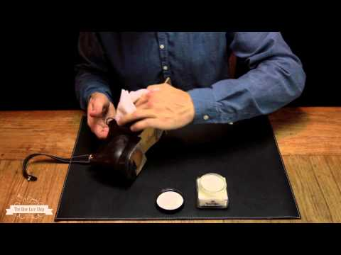 Shoe shine instruction video with Saphir Médaille d'Or - Basic
