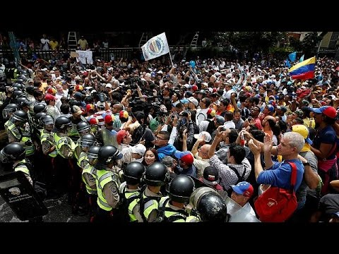 Venezuela: Caracas protesters hold third opposition rally in a week