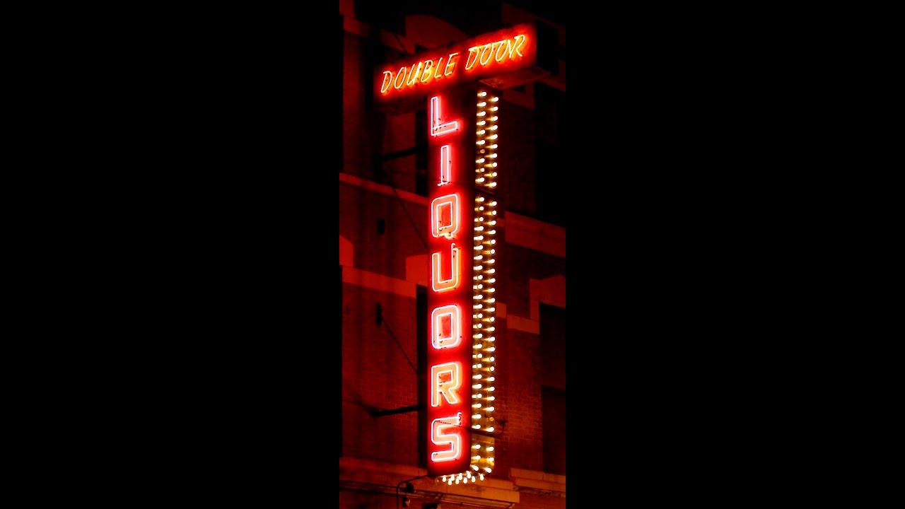 Double Door Lounge In Chicagos Wicker Park Vintage Neon Sign Youtube