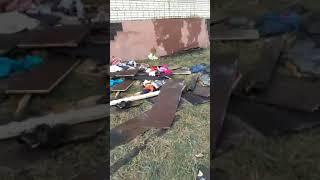 Новости Тулы: Туляки несут игрушки и цветы к месту пожара, в котором погибли четверо детей