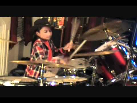 Dr Elmo - Grandma Got Run Over by a Reindeer (Drum Cover) by Ian(10)Rey